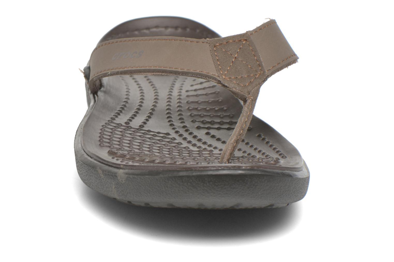 Tongs Crocs Crete Colorlite Flip M Noir vue portées chaussures