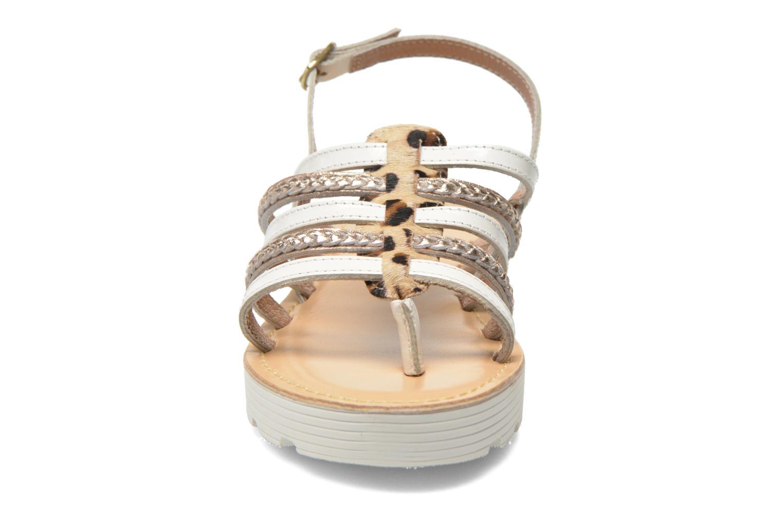 Sandales et nu-pieds Elizabeth Stuart Hicar 885 Blanc vue portées chaussures
