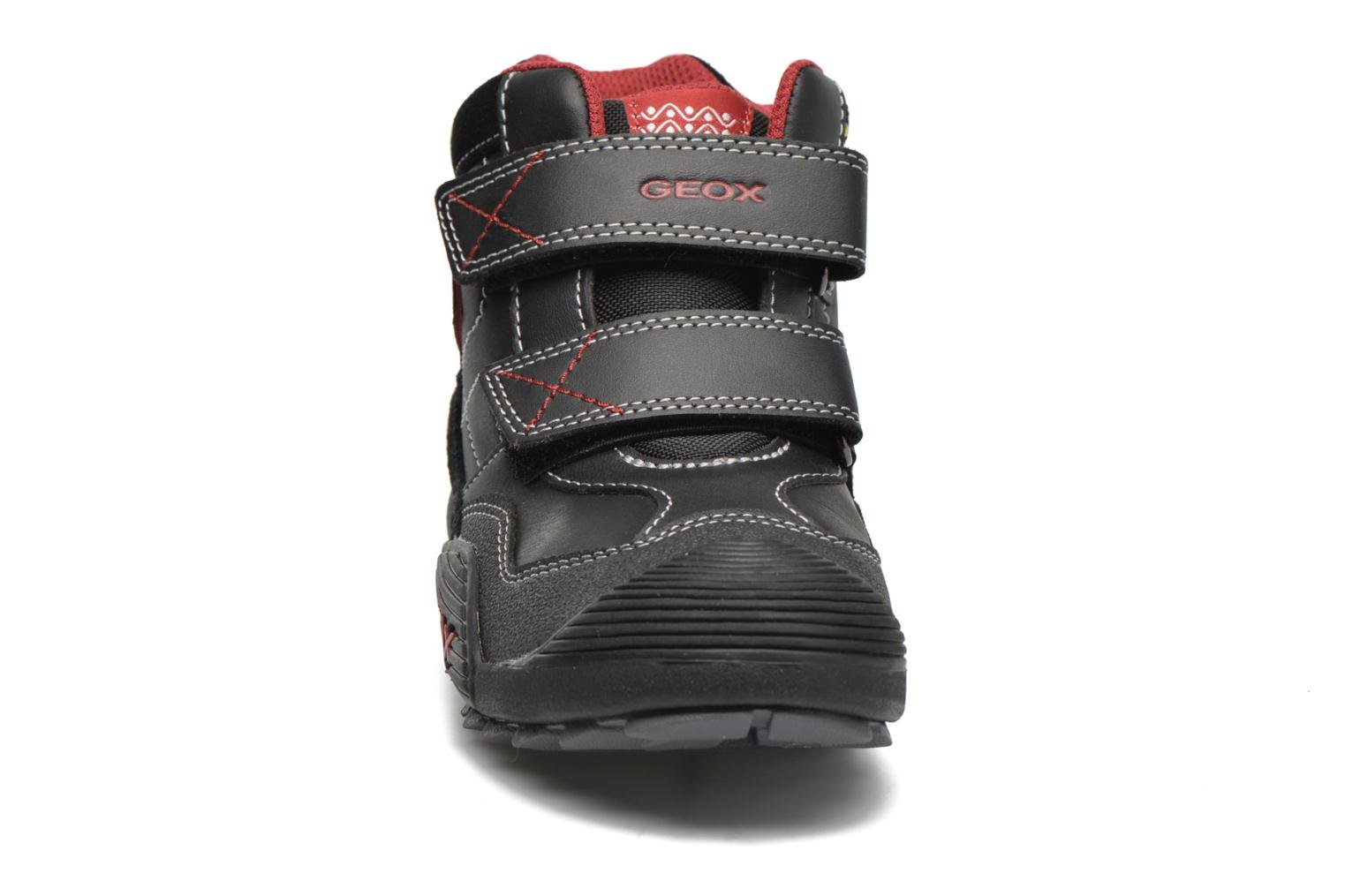 Sneakers Geox JR Savage J5424A Zwart model