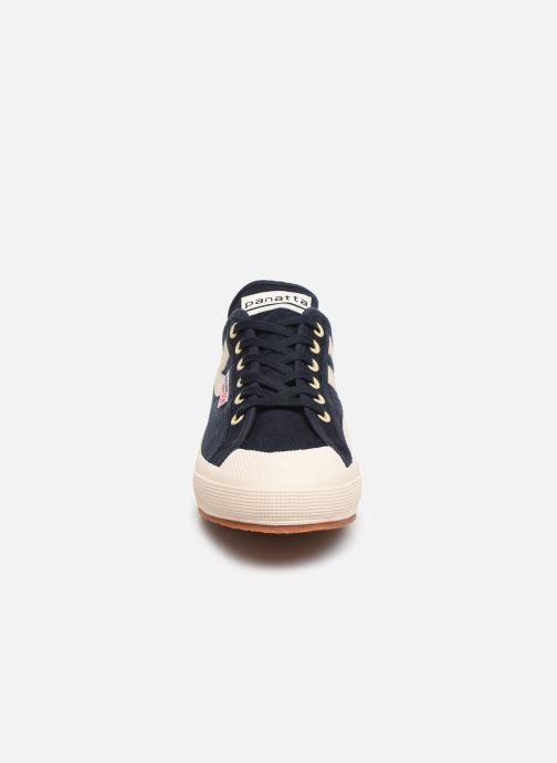 Sneakers Superga 2750 Cotu Panatta Azzurro modello indossato