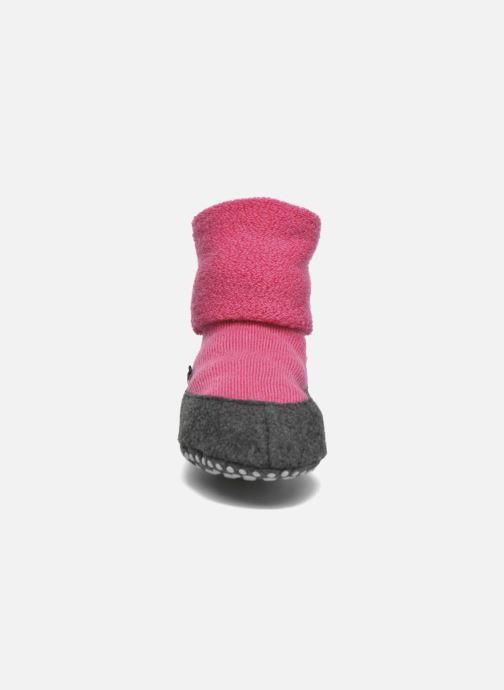 Chaussettes et collants Falke Chaussons-chaussettes Cosyshoes Rose vue portées chaussures