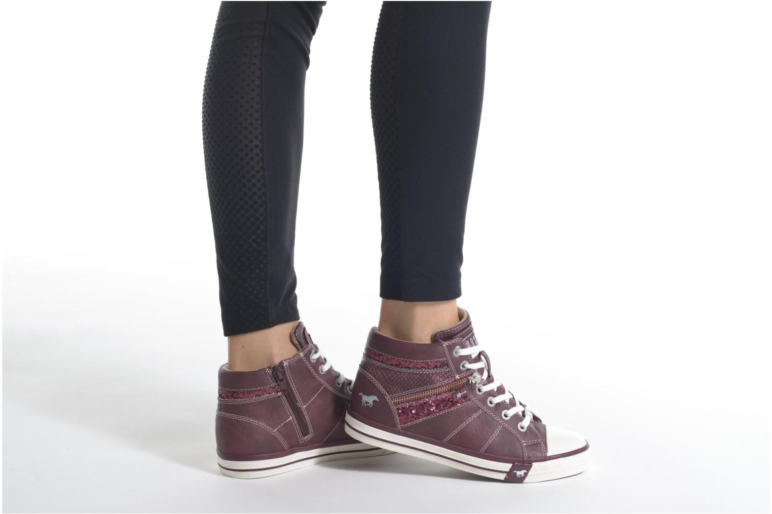Trainers Mustang shoes Leni Burgundy view from underneath / model view