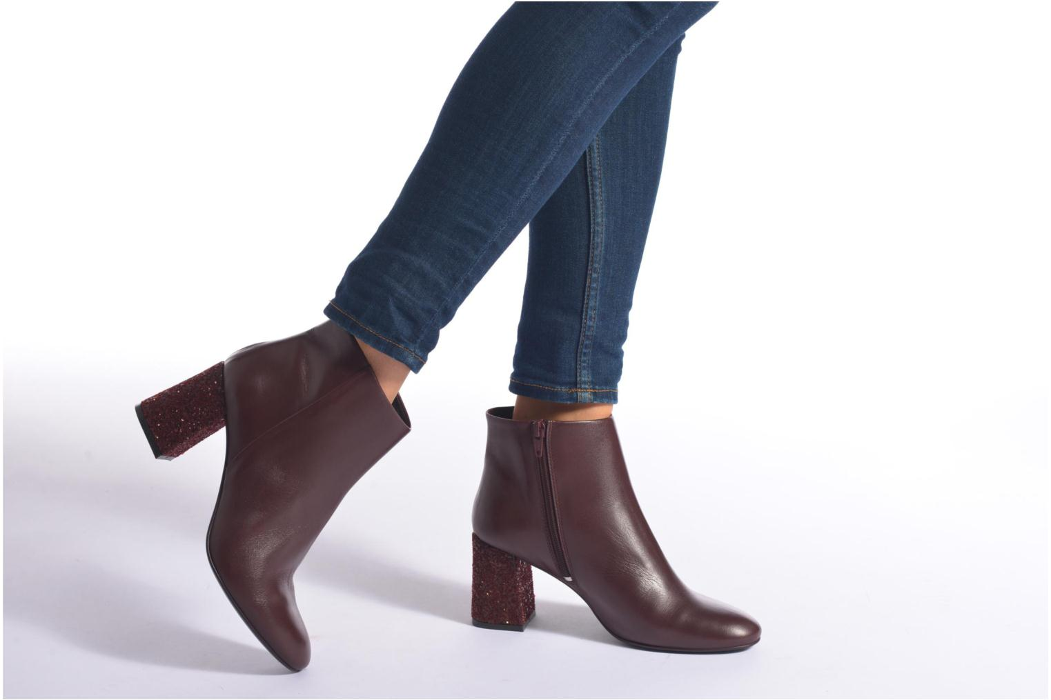 Ankle boots Georgia Rose Divala Burgundy view from underneath / model view