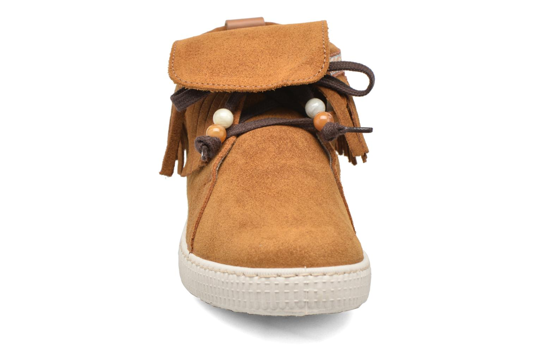 Sneakers Victoria Botin Flecos Serraje F Bruin model