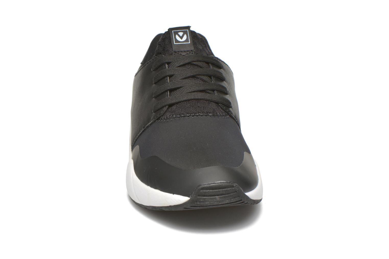 Deportivas Victoria Sneakers neopreno Negro vista del modelo
