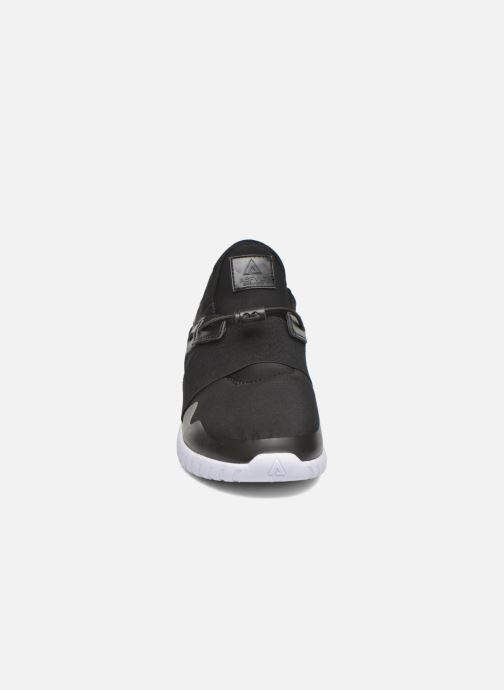 Baskets Asfvlt Area Mid Noir vue portées chaussures