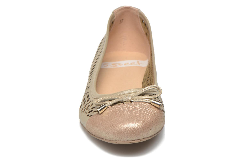 Ballerines Sweet Delone Beige vue portées chaussures