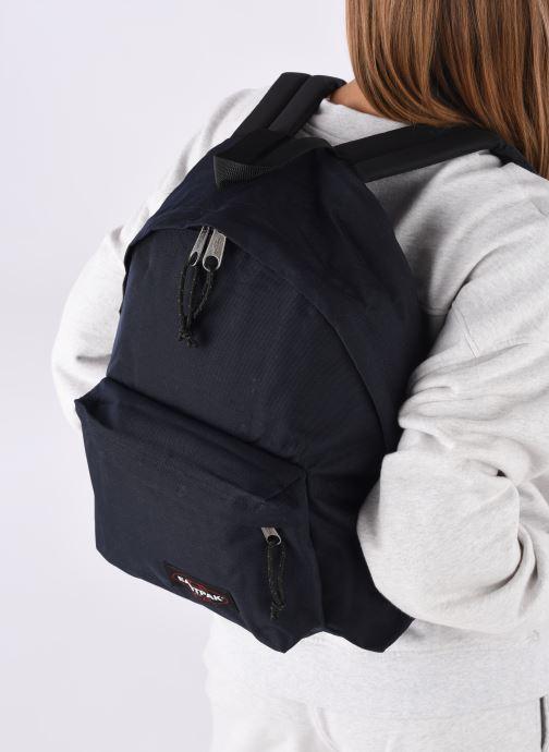 Rucksäcke Eastpak Padded Pak'R blau ansicht von unten / tasche getragen
