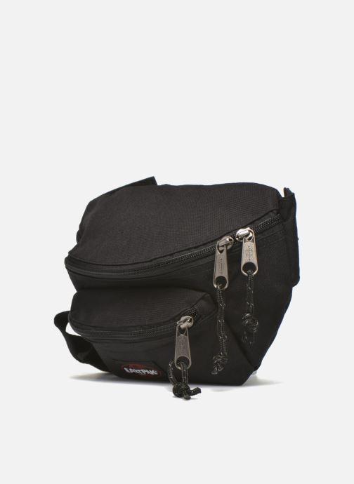 Marroquinería pequeña Eastpak DOGGY BAG Sac banane Negro vista del modelo