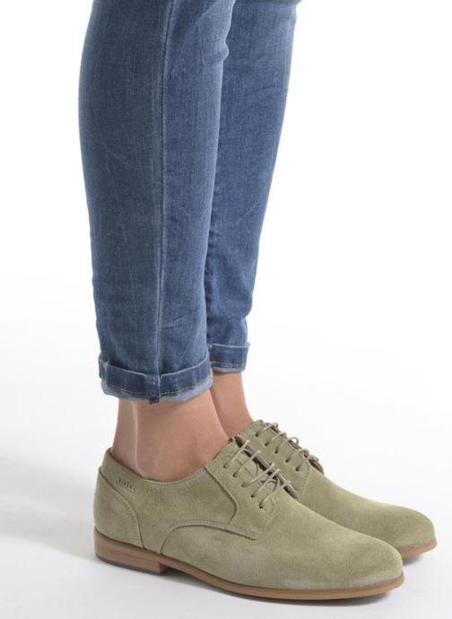 Chaussures à lacets Aigle Aporia Vert vue bas / vue portée sac