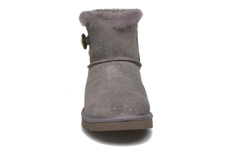 Bottines et boots UGG W Mini bailey button bling constellation Gris vue portées chaussures