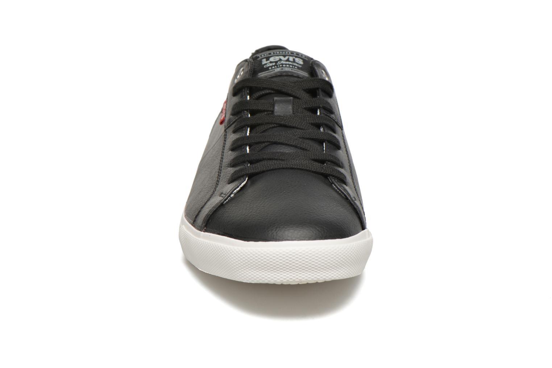 Sneaker Levi's Woods schwarz schuhe getragen
