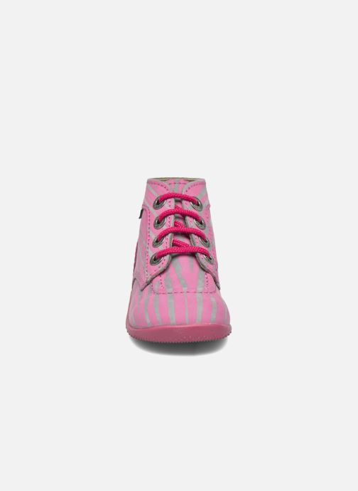 Stivaletti e tronchetti Kickers Bonbon II Rosa modello indossato