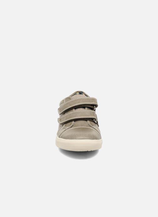 Deportivas I Love Shoes FILLIP Gris vista del modelo