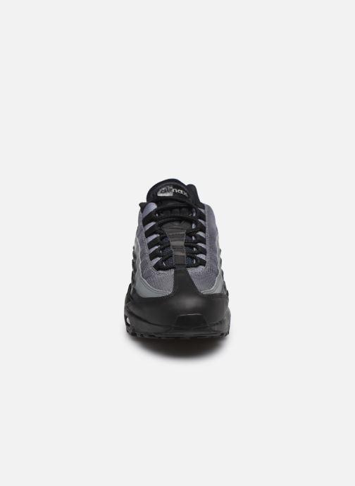 Baskets Nike Nike Air Max 95 Essential Noir vue portées chaussures