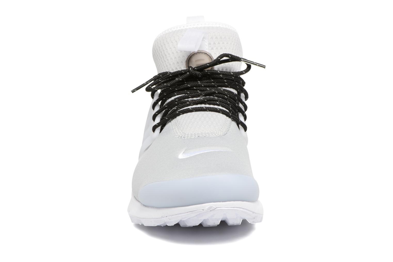 Baskets Nike Nike Air Presto Mid Utility Gris vue portées chaussures