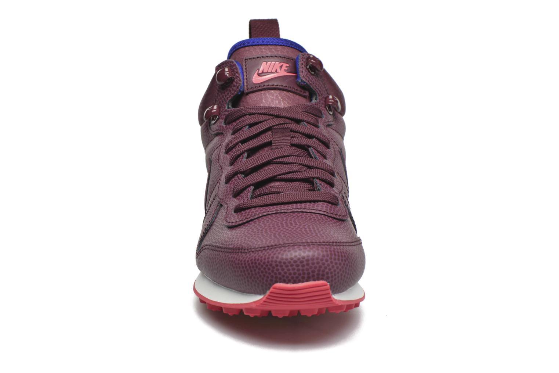 Baskets Nike W Internationalist Mid Lthr Bordeaux vue portées chaussures