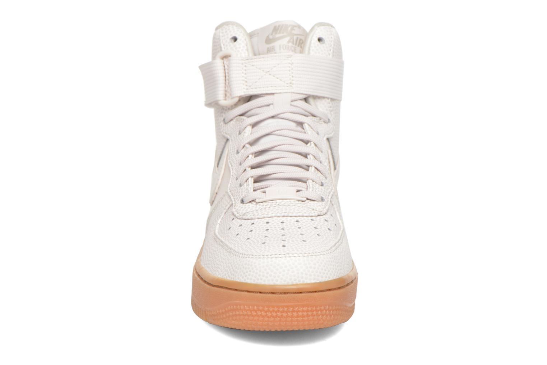Baskets Nike Wmns Air Force 1 Hi Se Noir vue portées chaussures