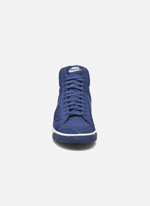 Baskets Nike Wmns Blazer Mid Prm Se Bleu vue portées chaussures