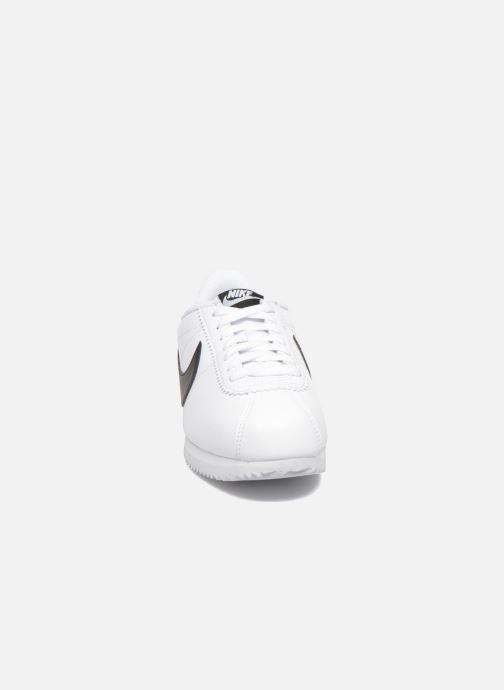 Sneakers Nike Wmns Classic Cortez Leather Bianco modello indossato