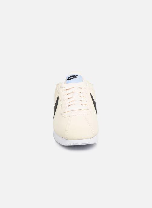 Deportivas Nike Wmns Classic Cortez Leather Blanco vista del modelo