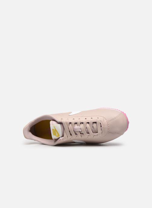 Baskets Nike Wmns Classic Cortez Leather Beige vue gauche