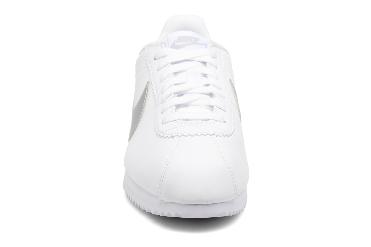 Trainers Nike Wmns Classic Cortez Leather Grey model view