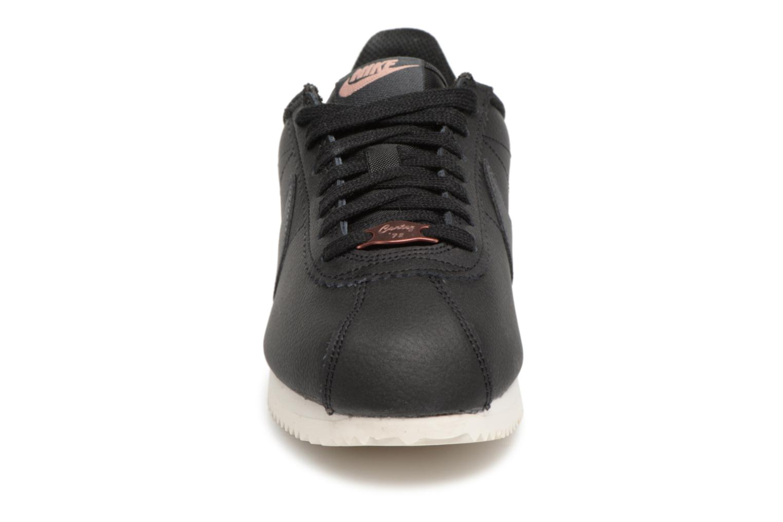 Sneaker Nike Wmns Classic Cortez Leather schwarz schuhe getragen