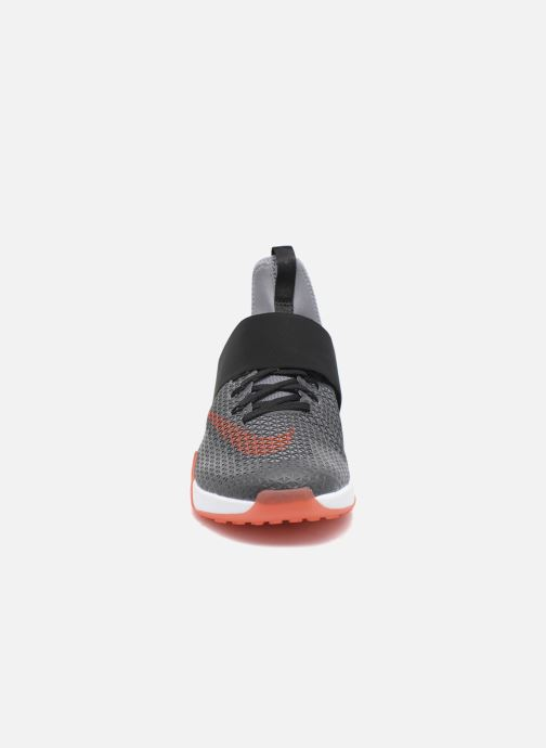 Zapatillas de deporte Nike Wmns Nike Air Zoom Strong Gris vista del modelo
