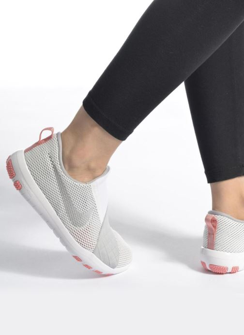 Chaussures de sport Nike Wmns Nike Free Connect Gris vue bas / vue portée sac