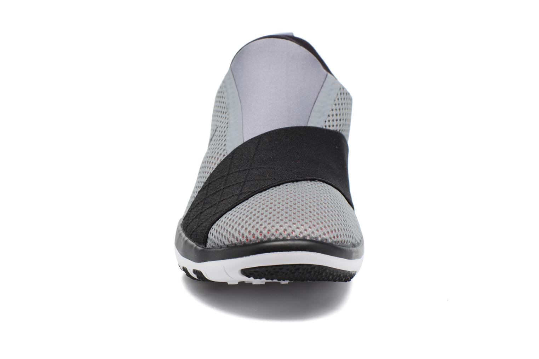 Zapatillas de deporte Nike Wmns Nike Free Connect Gris vista del modelo