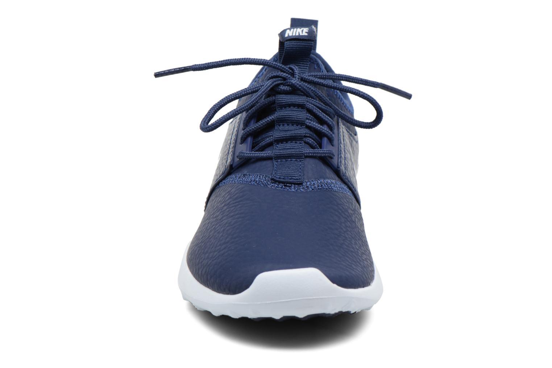 Baskets Nike Wmns Nike Juvenate Prm Bleu vue portées chaussures