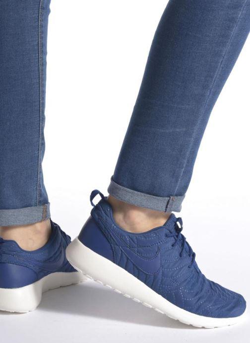 Baskets Nike Wmns Nike Roshe One Prm Bleu vue bas / vue portée sac