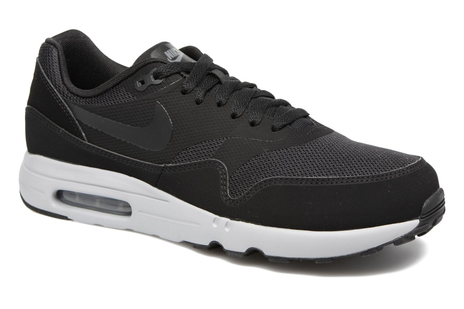 Baskets Nike Air Max 1 Ultra 2.0 Essential Noir vue détail/paire