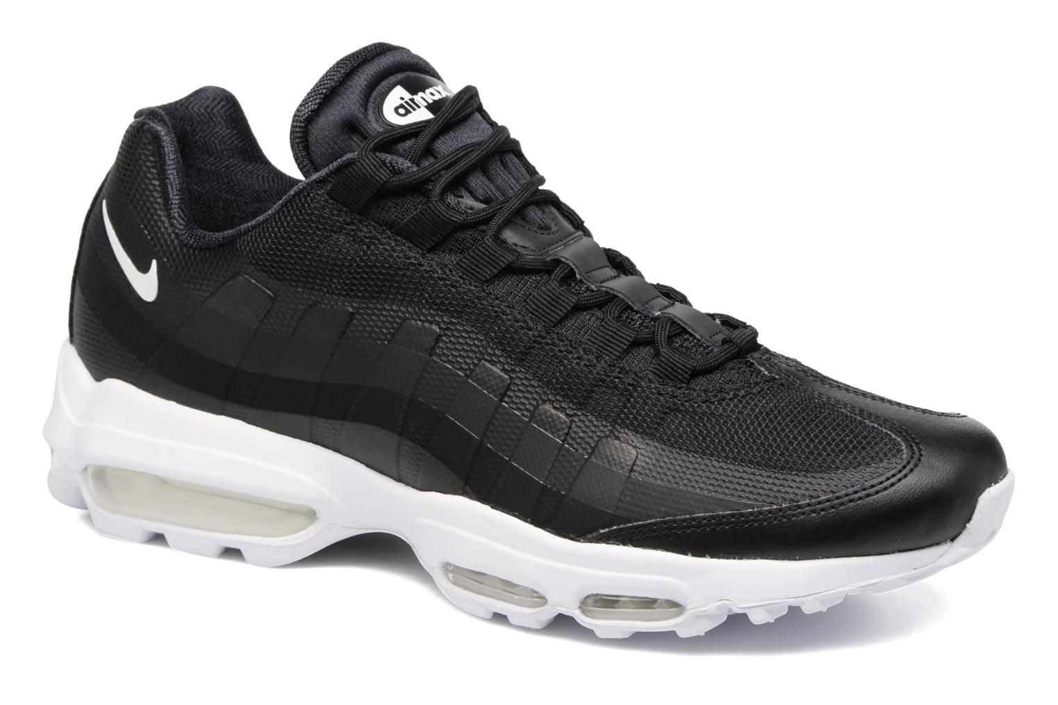 Baskets Nike Air Max 95 Ultra Essential Noir vue détail/paire
