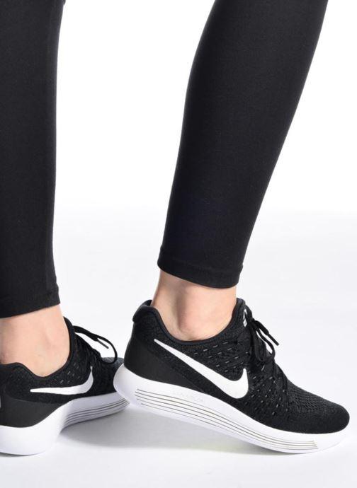 Chaussures de sport Nike W Nike Lunarepic Low Flyknit 2 Noir vue bas / vue portée sac