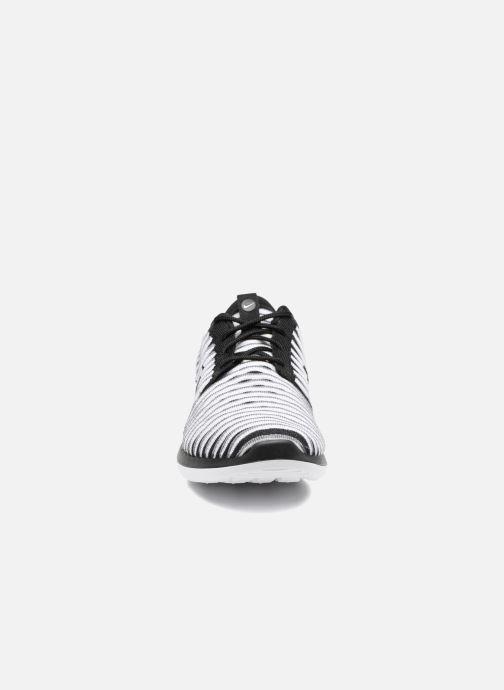 Sneakers Nike W Nike Roshe Two Flyknit Zwart model