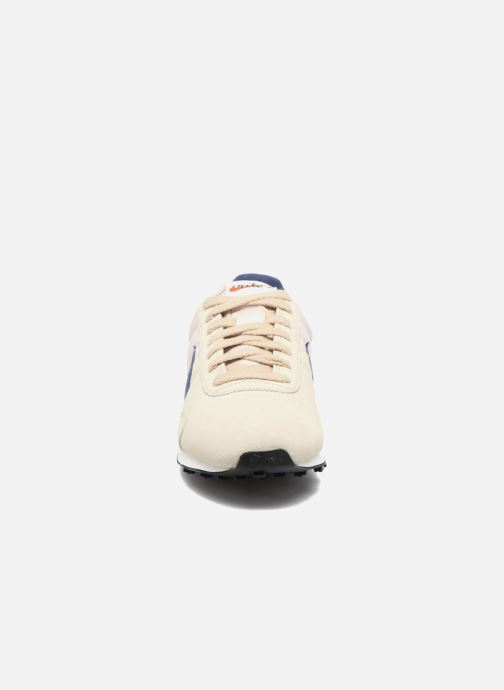 Trainers Nike W Pre Montreal Racer Vntg Beige model view