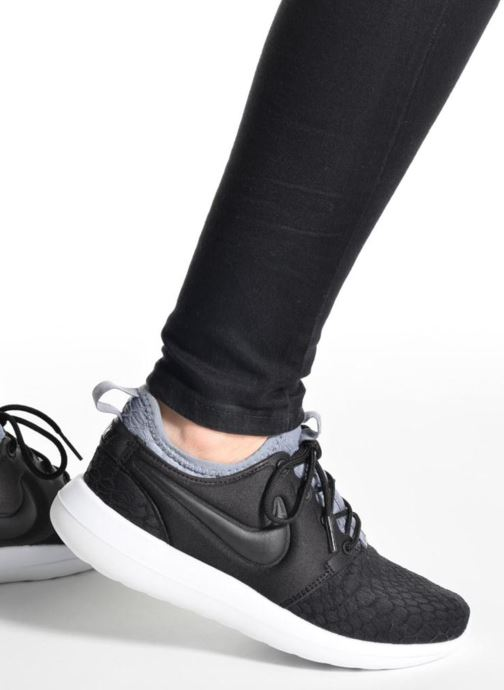 Trainers Nike W Roshe Two Se Black view from underneath / model view