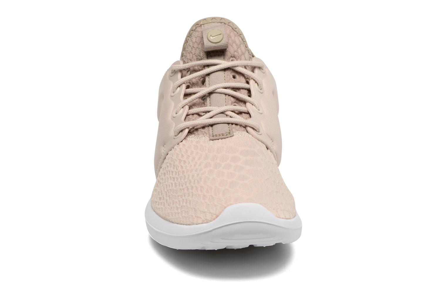 Trainers Nike W Roshe Two Se Beige model view
