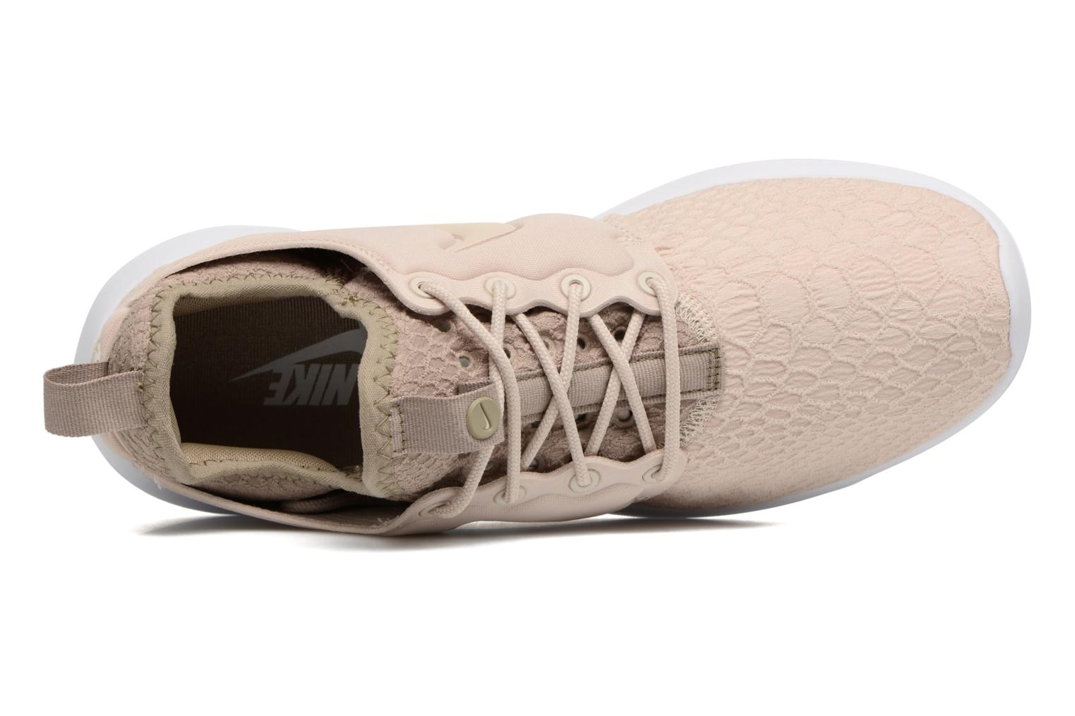 Trainers Nike W Roshe Two Se Beige view from the left