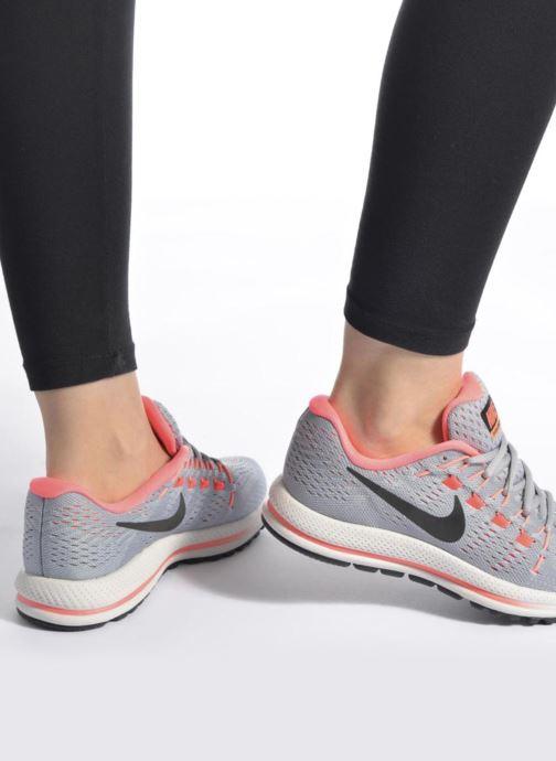 Chaussures de sport Nike Wmns Nike Air Zoom Vomero 12 Gris vue bas / vue portée sac