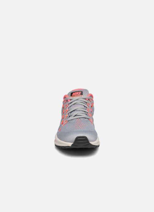 Chaussures de sport Nike Wmns Nike Air Zoom Vomero 12 Gris vue portées chaussures