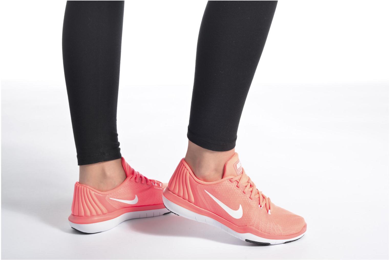 Chaussures de sport Nike Wmns Nike Flex Supreme Tr 5 Noir vue bas / vue portée sac