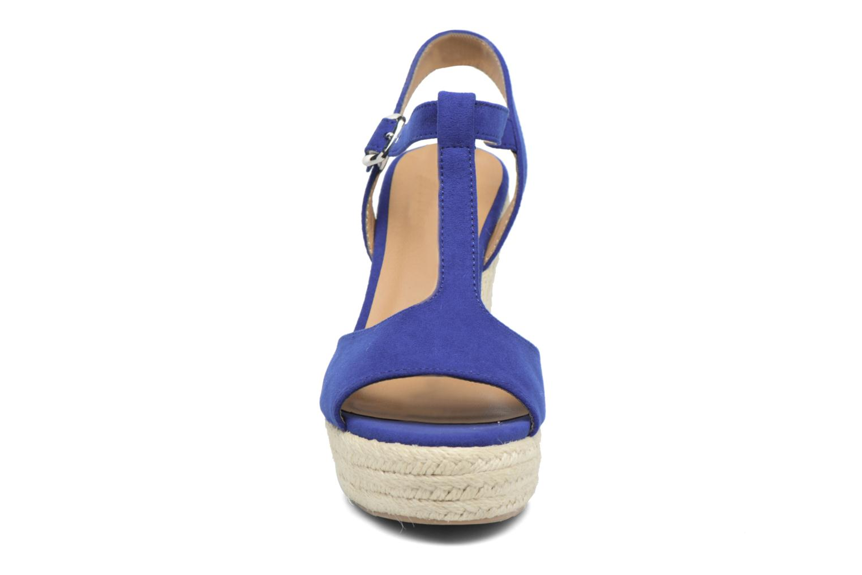 Alpargatas I Love Shoes MCADA Azul vista del modelo