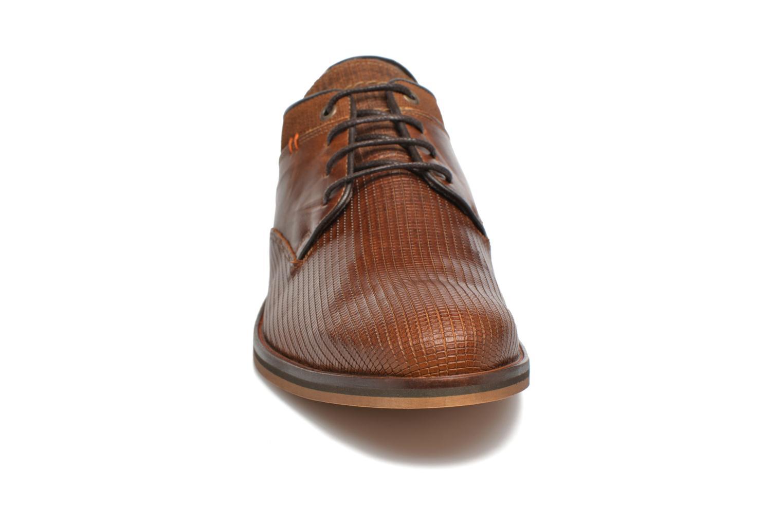 Zapatos con cordones Bullboxer Mallow Marrón vista del modelo