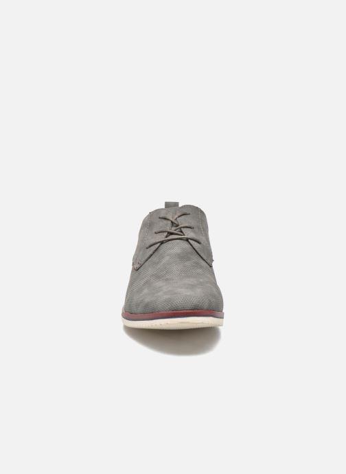 Scarpe con lacci I Love Shoes KEHOLE Grigio modello indossato