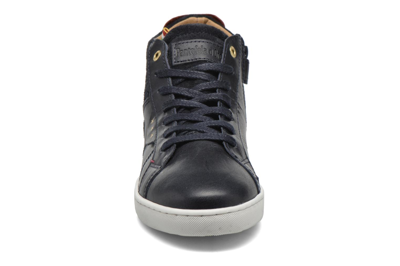 Sneakers Pantofola d'Oro Montefino mid JR Zwart model