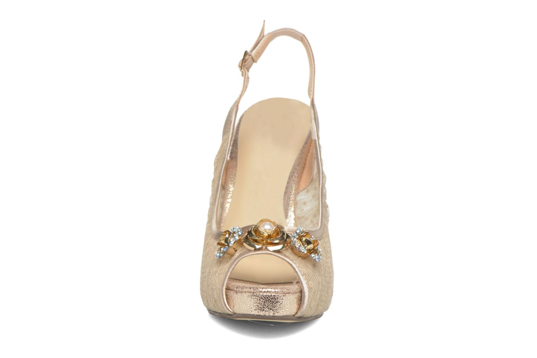Escarpins Menbur Katarina Beige vue portées chaussures