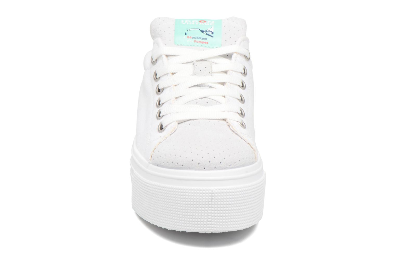 Trainers Ippon Vintage Tokyo Fun White model view